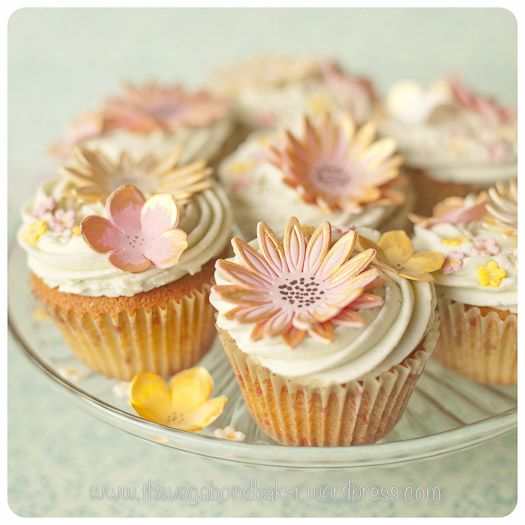 edible sugar flowers for cupcakes